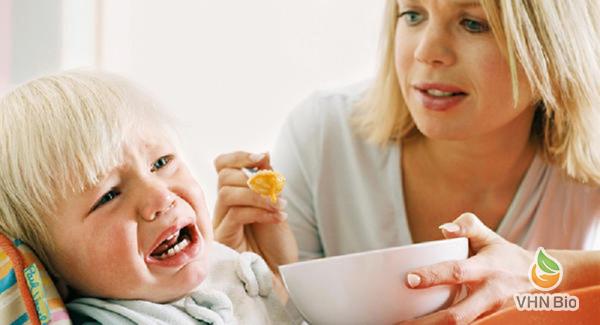 Bí kíp để trẻ biếng ăn mùa hè ăn ngon, tiêu hóa tốt