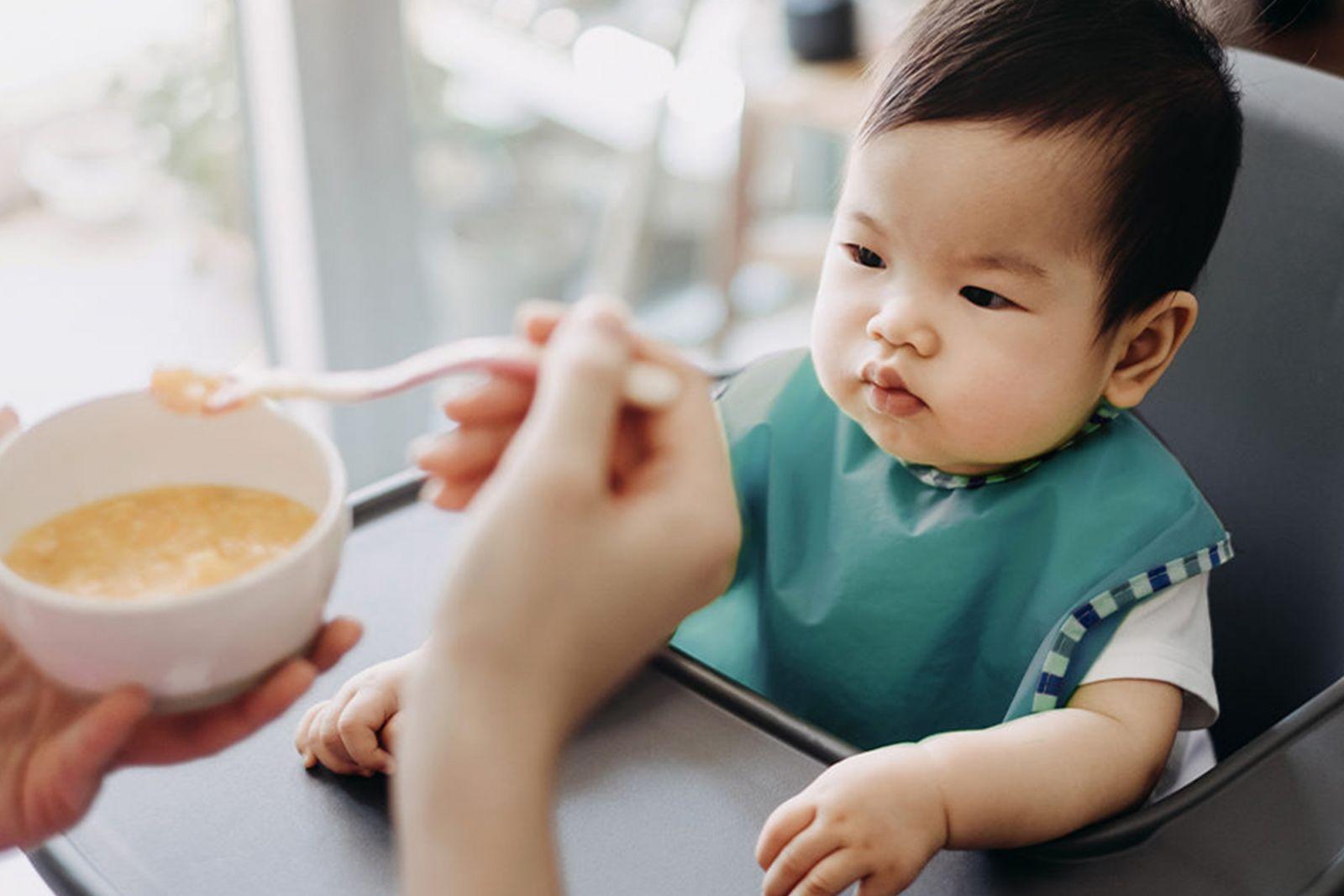 Ăn dặm đúng cách cho bé 10 tháng tuổi-viện dinh dưỡng vhn bio