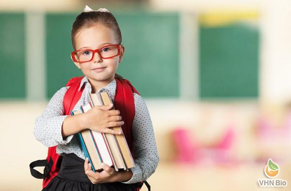 Mách mẹ 5+ cách tăng sức đề kháng cho bé đi học